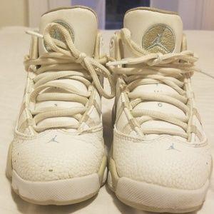Boys Jordan 6 ring sneakers